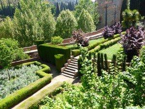 Jardin près de la tour des Pointes.